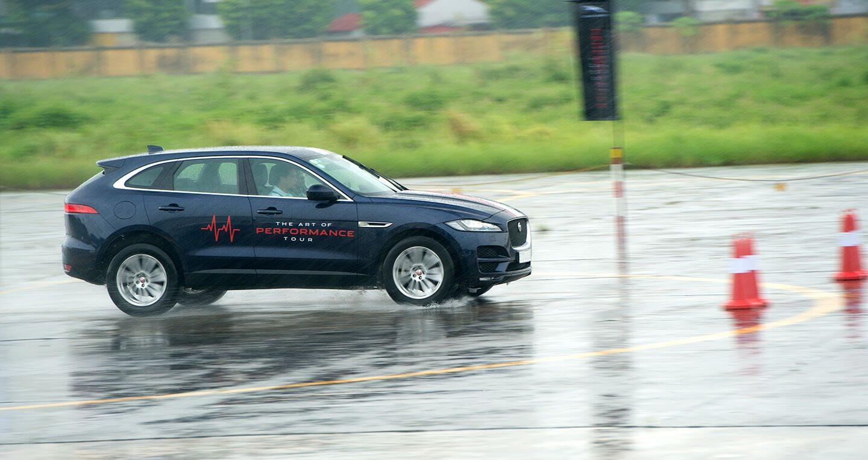 The Art of Performance Tour – Trải nghiệm đặc trưng xe Jaguar theo cách riêng biệt - Hình 2