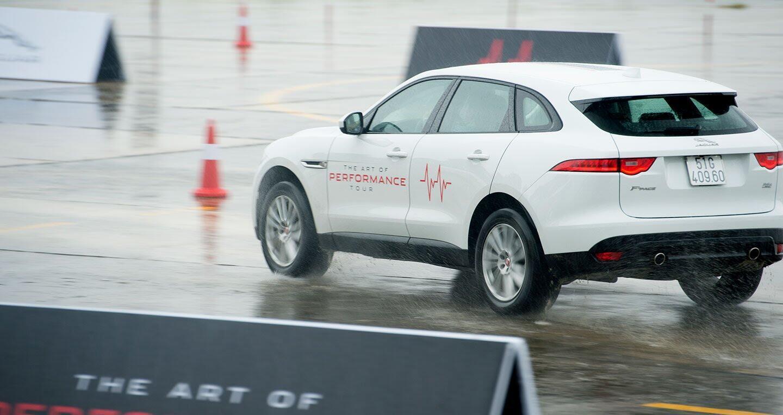 The Art of Performance Tour – Trải nghiệm đặc trưng xe Jaguar theo cách riêng biệt - Hình 3