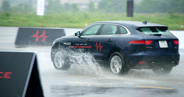 The Art of Performance Tour – Trải nghiệm đặc trưng xe Jaguar theo cách riêng biệt - Hình 4