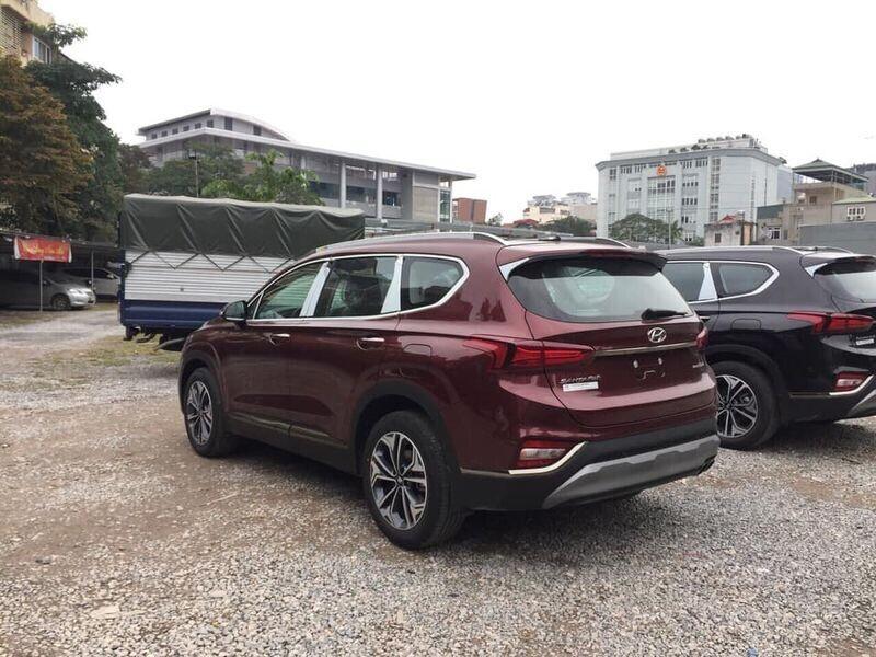 """Thêm nhiều đại lý """"khoe có"""" Hyundai Santa Fe 2019 - Hình 4"""