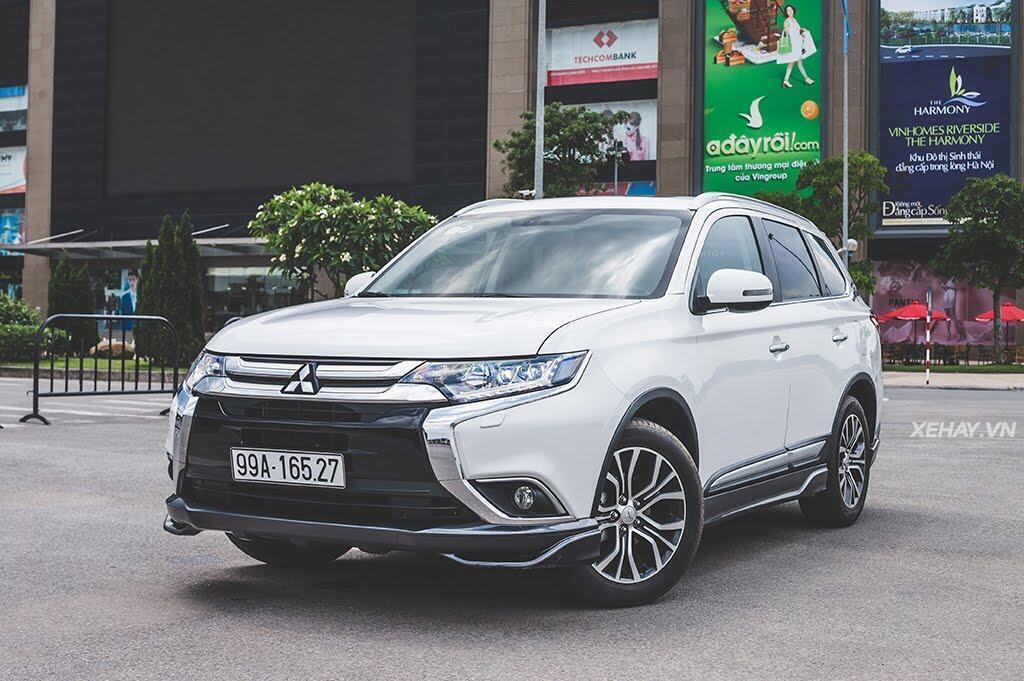 """Thị trường ô tô Việt Nam vẫn chứng kiến """"bão"""" giảm giá vào cuối năm - Hình 1"""