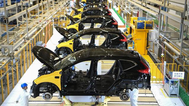 Thị trường xe Trung Quốc và châu Âu đảo chiều, Bắc Mỹ nín thở chờ đợi COVID-19 - Ảnh 1.