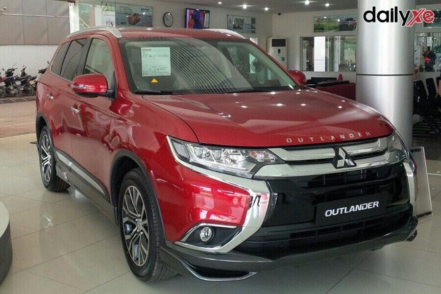 Mitsubishi Outlander vận hành mạnh mẽ