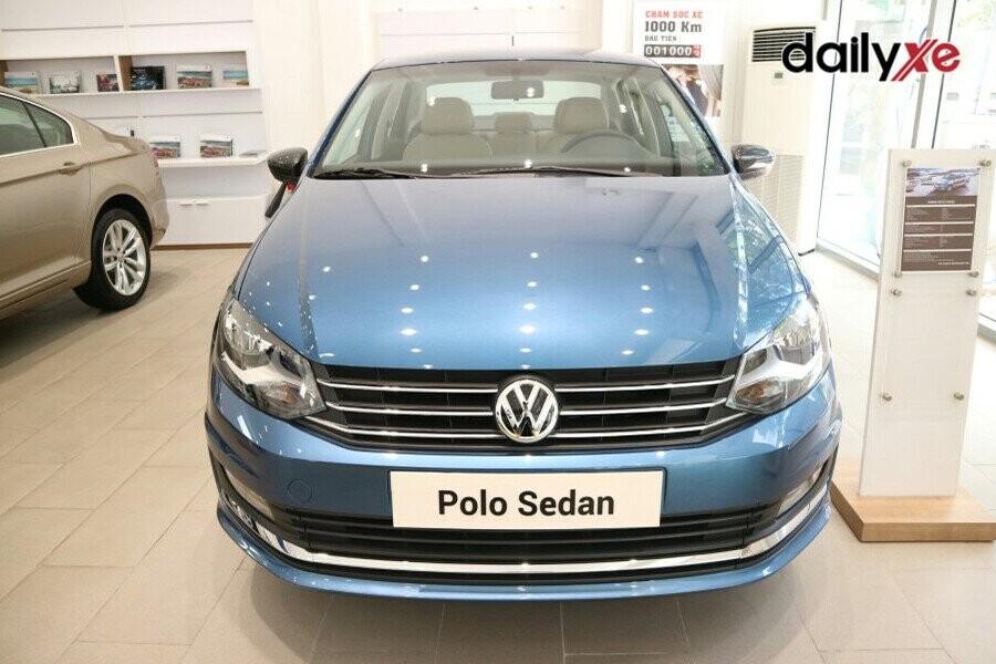 Volkswagen Polo Sedan vận hành mạnh mẽ