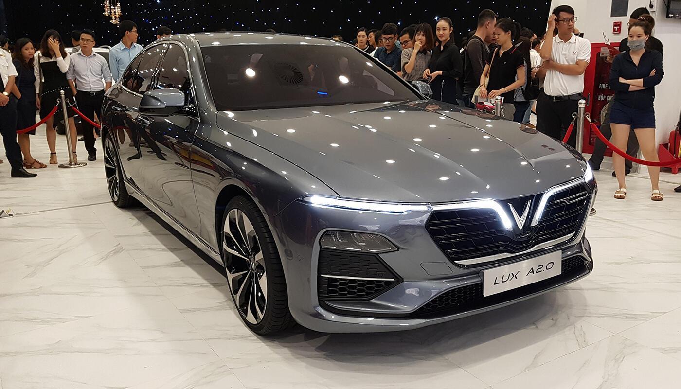 VinFast Sedan Lux A 2.0 tại buổi triển lãm TPHCM