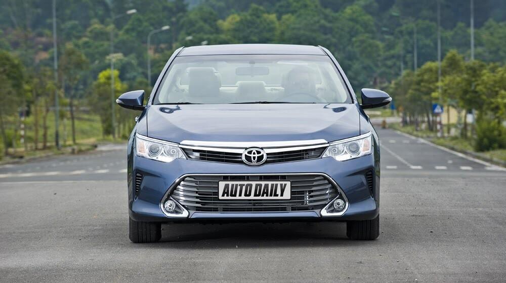 """""""Thử sức"""" Toyota Camry 2.0E 2015 - Hình 3"""