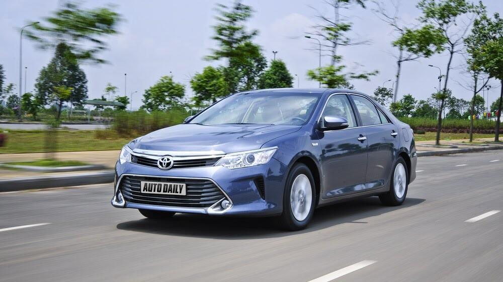 """""""Thử sức"""" Toyota Camry 2.0E 2015 - Hình 6"""