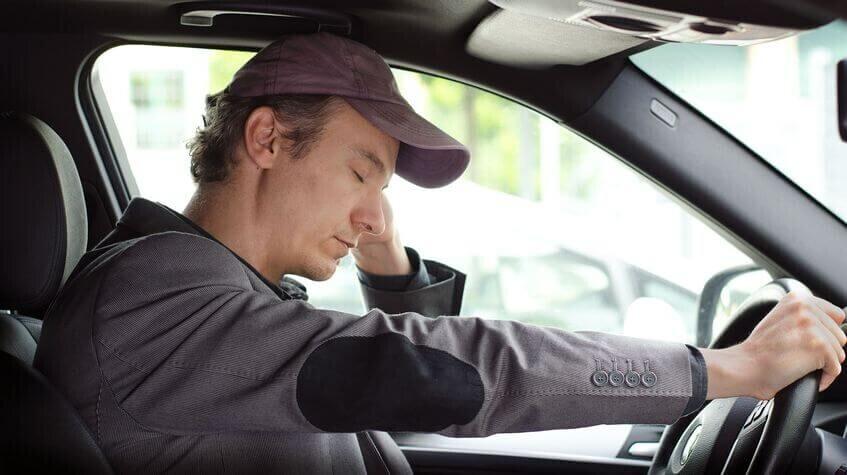 Buồn ngủ khi lái xe tiểm ẩn nguy cơ gây tai nạn giao thông