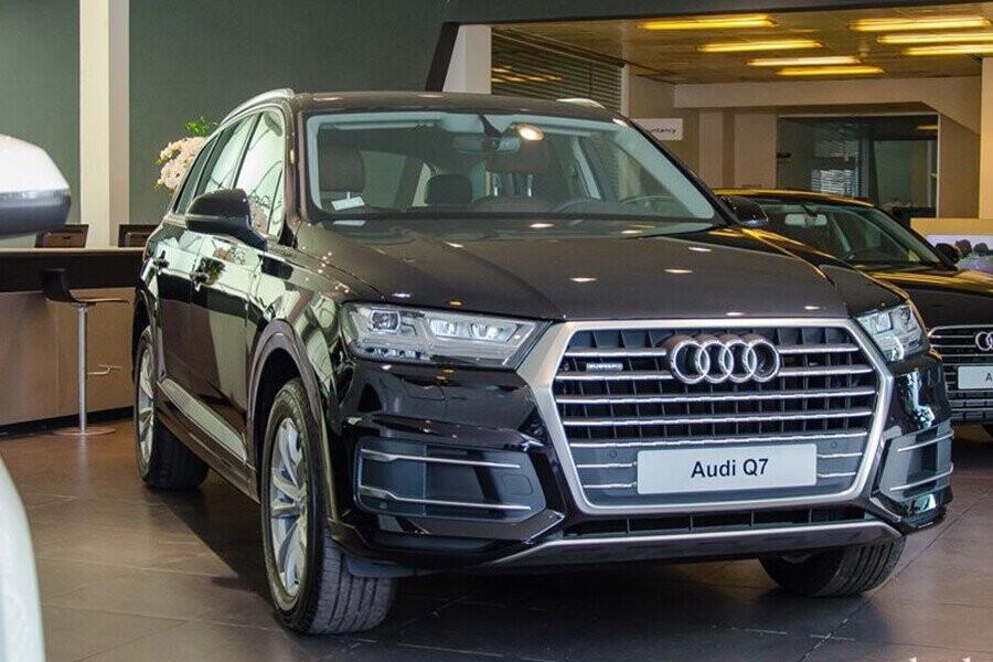 Audi Q7 2019 là chiếc SUV hạng sang cỡ lớn hội tụ đầy đủ những yếu tố từ sang trọng, thể thao, tiện dụng