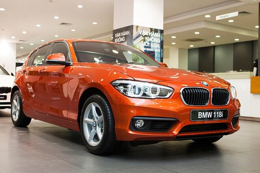 BMW 118i cảm giác lái linh hoạt và dễ điều khiển với kiểu dáng thể thao, hiện đại