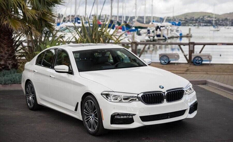 BMW 5 Series là chiếc xe hoàn hảo cho những ai mong đợi nhiều hơn ở một chiếc sedan