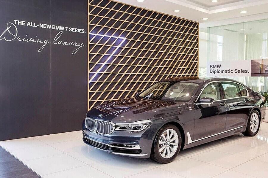 BMW 7 Series tạo ra một phong cách sang trọng của tương lai ngay từ thời điểm hiện tại