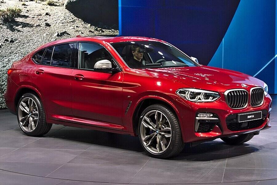 BMW X4 là mẫu xe trong phân khúc này có được sự dung hòa giữa hai yếu tố: sức mạnh điển hình của dòng X và tính thẩm mỹ của dòng xe coupé cổ điển