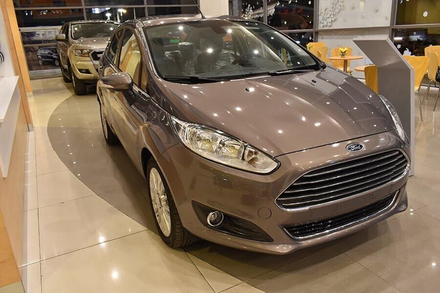 Ford Fiesta 1.5L AT Titanium -  Đậm cá tính dù nhỏ người