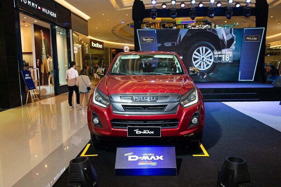 Chiếc xe bán tải D-MAX 2019 cực kỳ đa dụng nhờ trang bị máy móc khỏe mạnh