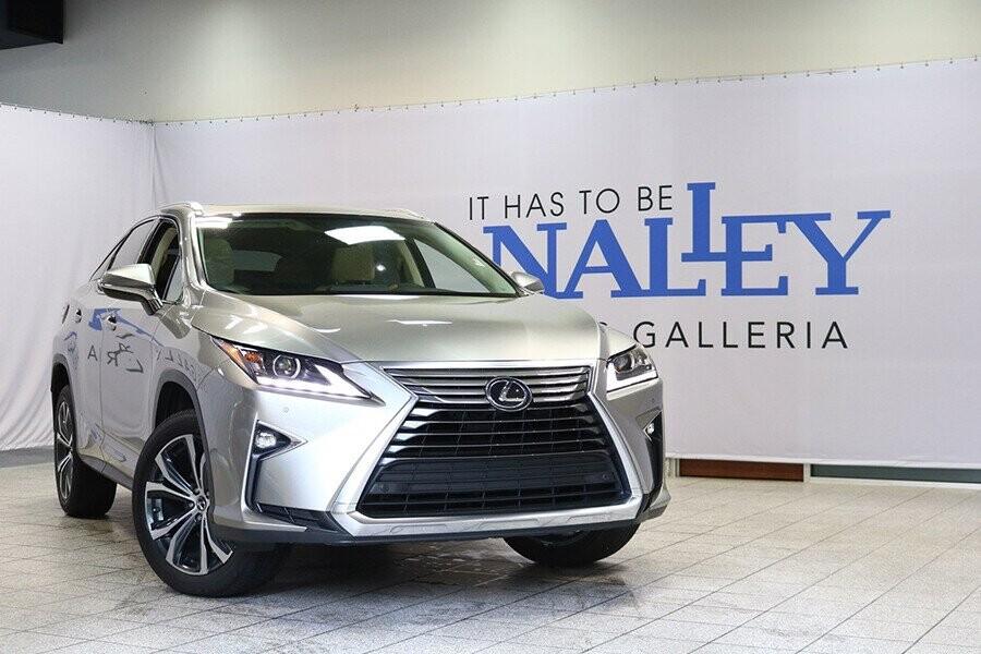 Lexus RX 350 2019 là mẫu xe SUV cỡ trung với thiết kế sang trọng và đẳng cấp