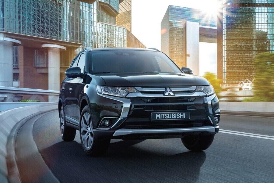 Tổng quan Mitsubishi Outlander CVT 2.4 Premium - Hình 1