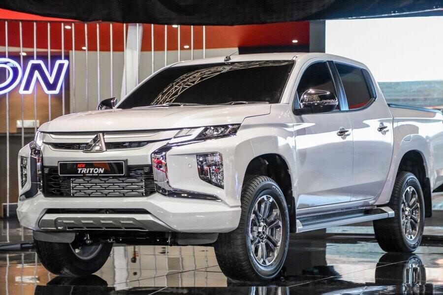Mitsubishi Triton 2019 mạnh mẽ