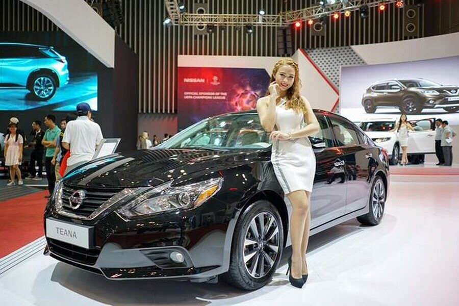Nissan Teana vẻ ngoài thiết kế tinh tế, trẻ trung thu hút mọi ánh mắt