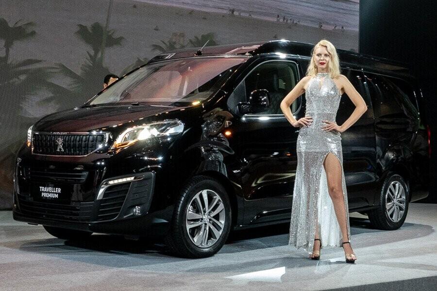 Peugeot Traveller Premium sở hữu thiết kế sang trọng