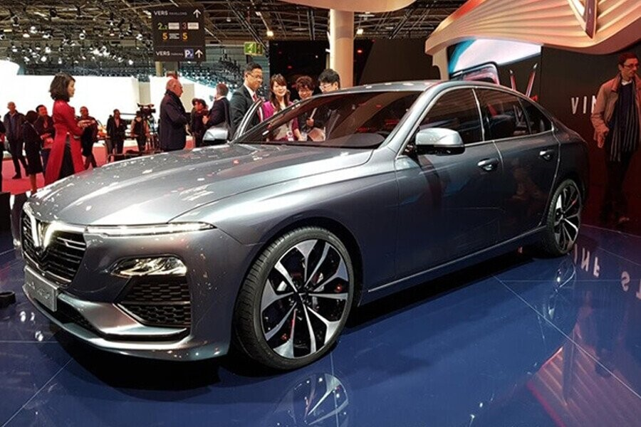Chiếc Vinfast Lux A2.0 vừa xuất hiện tại triển lãm Paris Motor Show 2018
