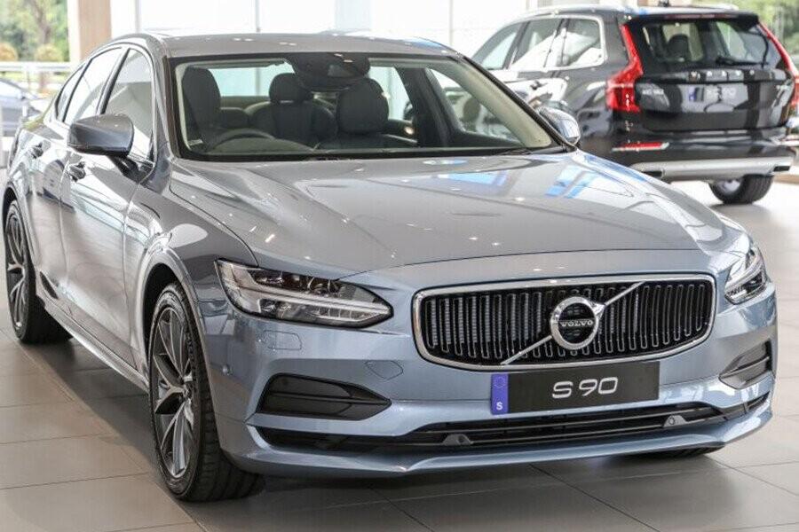 S90 thế hệ - mẫu sedan cỡ trung hạng sang