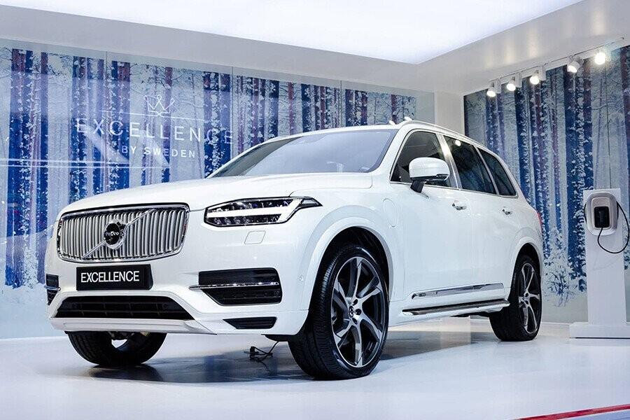 Volvo này đó là diện mạo đơn giản nhưng vẫn thật tinh tế của một chiếc SUV sang trọng