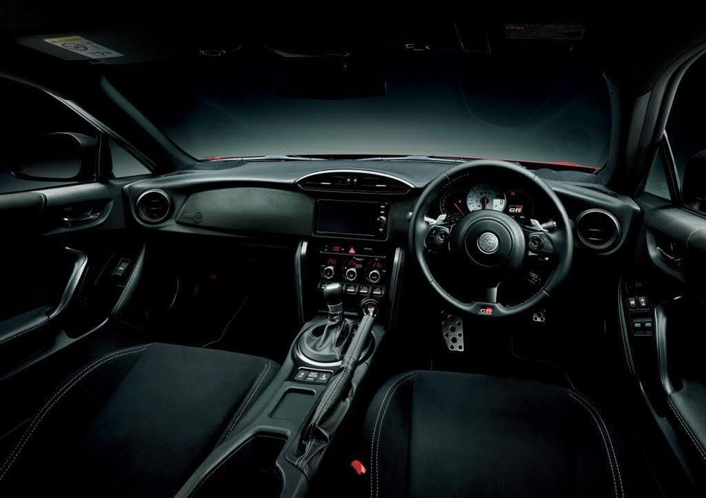 Toyota 86 GR Sport diện mạo bắt mắt hơn, giá từ 34.000 USD - Hình 5