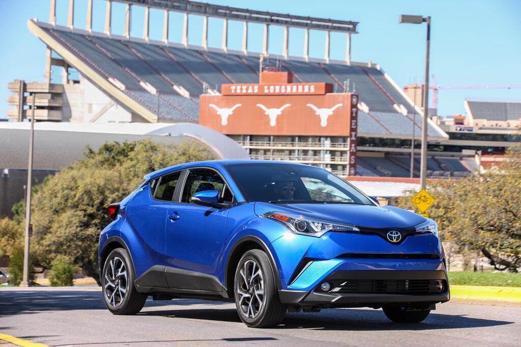 Toyota C-HR 2019 sẽ hiện đại hơn, giá từ 22.000 USD - Hình 1