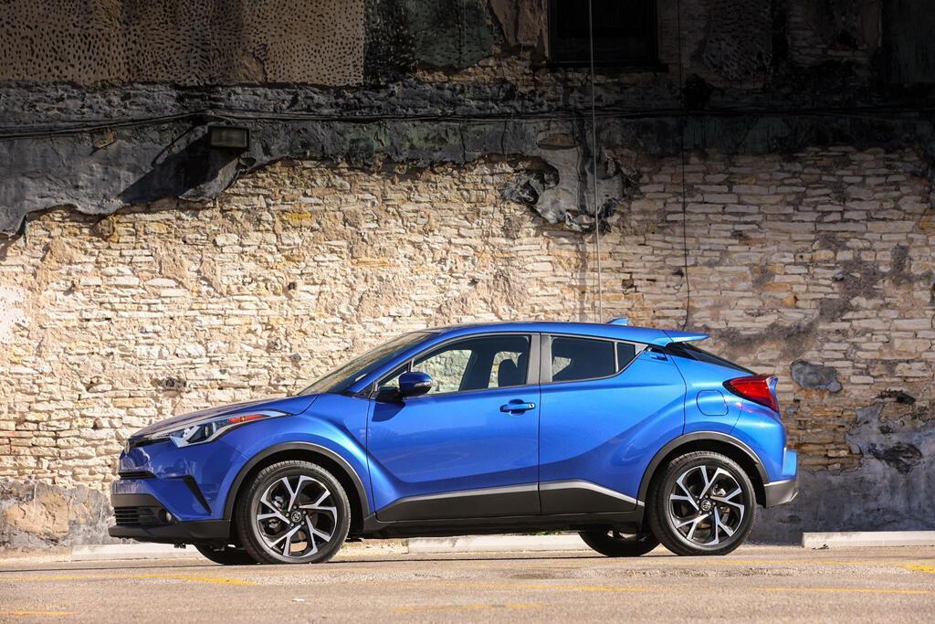 Toyota C-HR 2019 sẽ hiện đại hơn, giá từ 22.000 USD - Hình 2