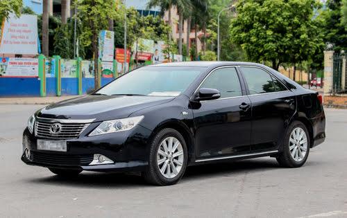 Toyota Camry 2013 - có gì ở tầm giá hơn 900 triệu tại Việt Nam? - Hình 1