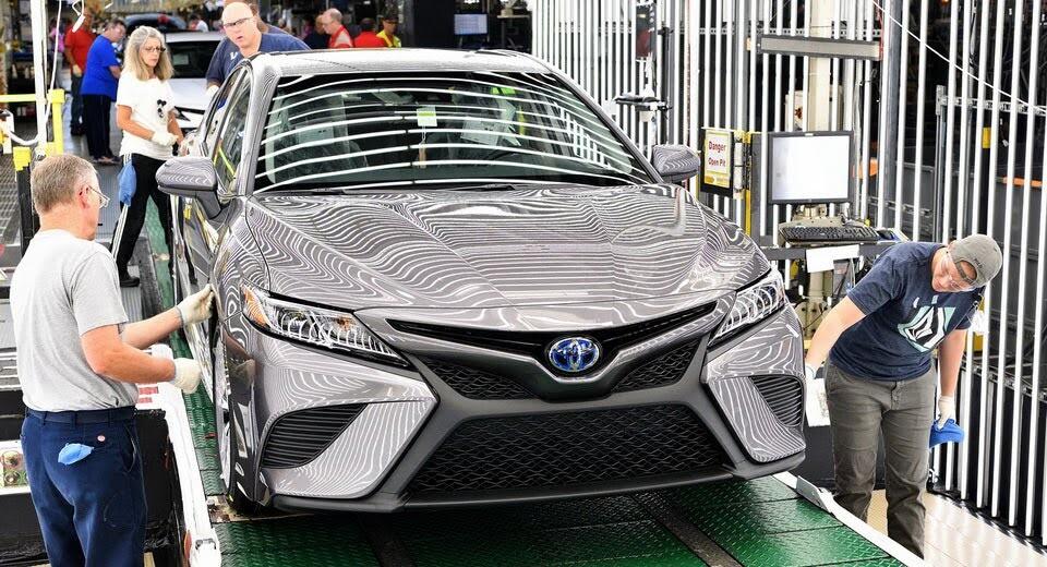 Toyota Camry 2018 bắt đầu sản xuất tại nhà máy Kentucky - Hình 1