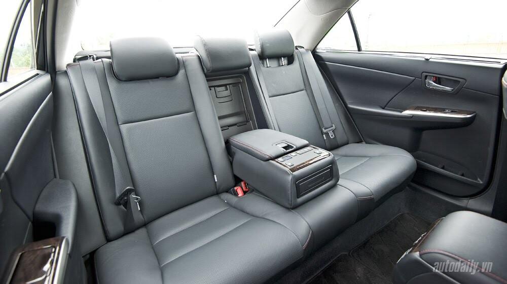 """Toyota Camry 2.5Q 2015: Xe cho """"sếp"""" trẻ - Hình 8"""