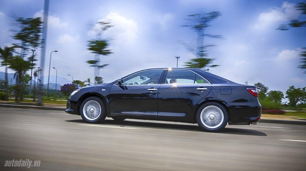 """Toyota Camry 2.5Q 2015: Xe cho """"sếp"""" trẻ - Hình 11"""