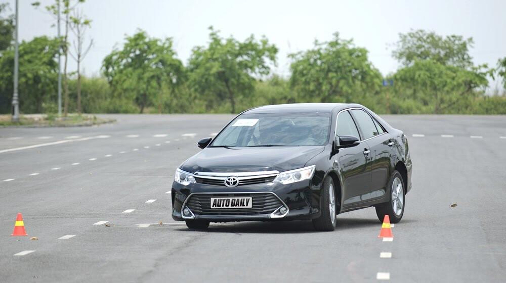 """Toyota Camry 2.5Q 2015: Xe cho """"sếp"""" trẻ - Hình 12"""