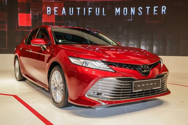toyota-camry-the-he-moi-co-the-ve-thi-truong-viet-trong-nam-2019-1.jpg