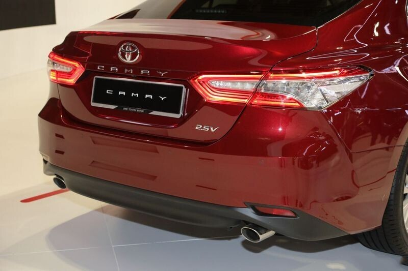 toyota-camry-the-he-moi-co-the-ve-thi-truong-viet-trong-nam-2019-2.jpg