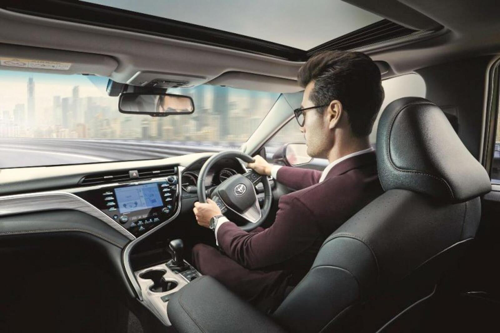 Toyota Camry thế hệ mới đã về đến Việt Nam - Chuẩn bị ra mắt công chúng - Hình 11