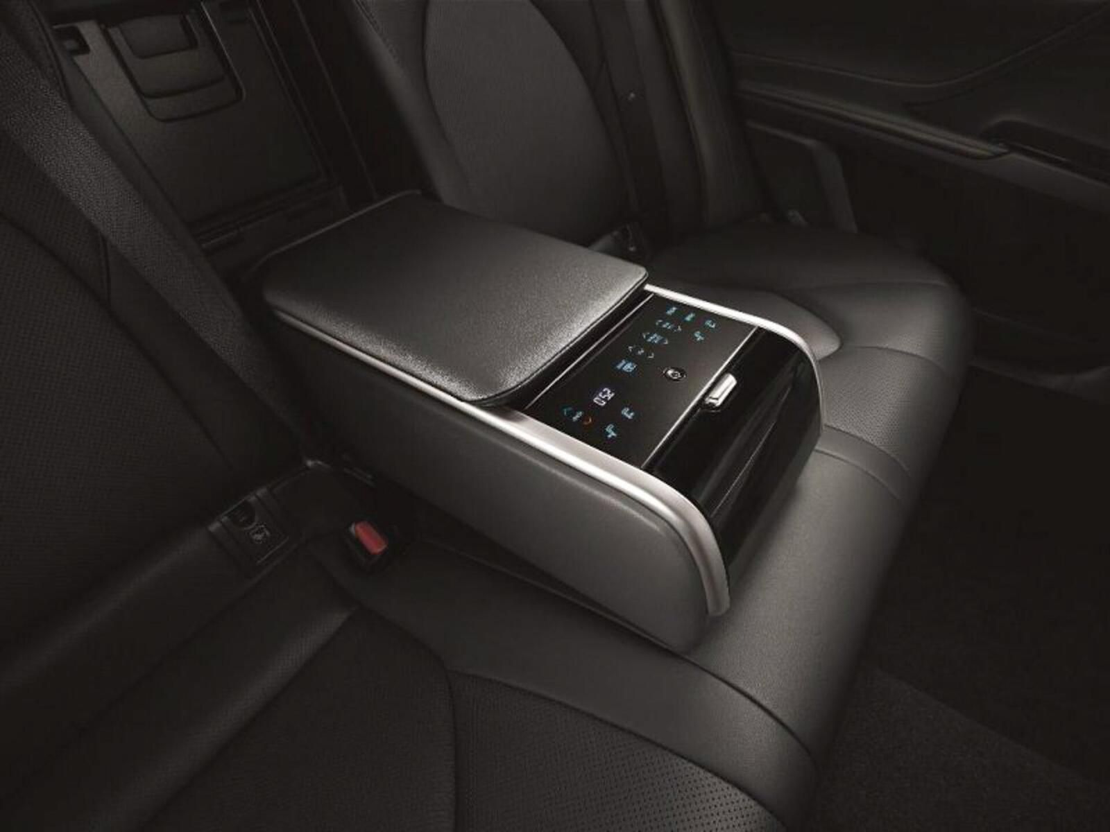 Toyota Camry thế hệ mới đã về đến Việt Nam - Chuẩn bị ra mắt công chúng - Hình 14