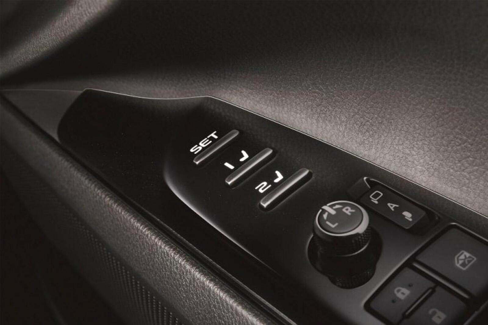 Toyota Camry thế hệ mới đã về đến Việt Nam - Chuẩn bị ra mắt công chúng - Hình 15
