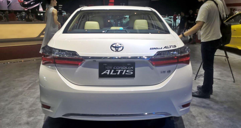Toyota Corolla Altis 2017 phiên bản đặc biệt có giá từ 32.200 USD - Hình 4
