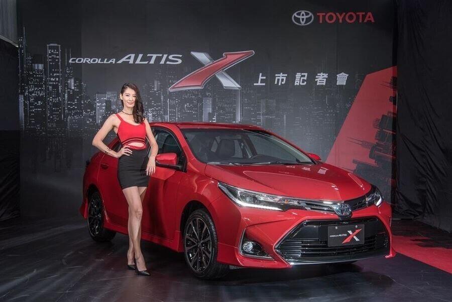 Toyota Corolla Altis X 2017 ra mắt Đài Loan với giá bán từ 589 triệu VNĐ - Hình 4