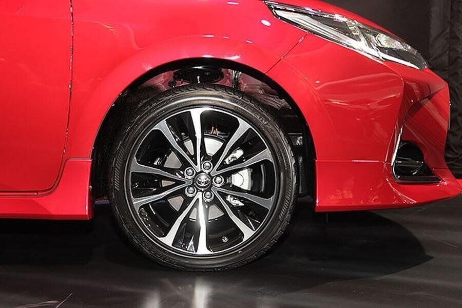 Toyota Corolla Altis X 2017 ra mắt Đài Loan với giá bán từ 589 triệu VNĐ - Hình 5