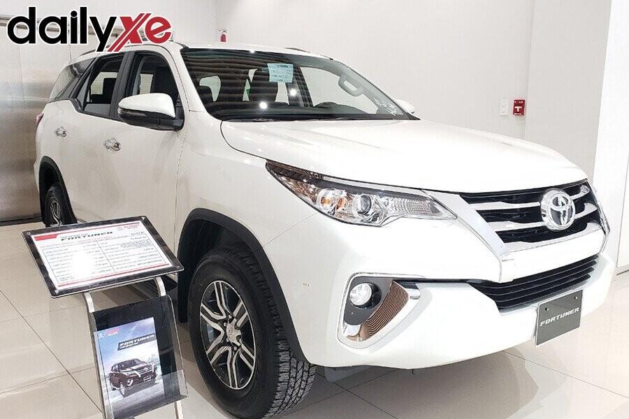 Toyota Fortuner - Hình 1