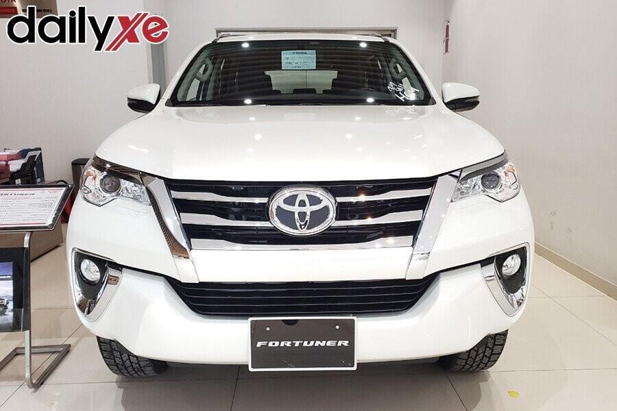Toyota Fortuner - Hình 10