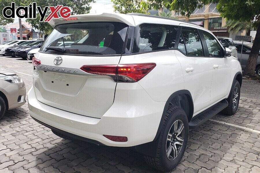Toyota Fortuner - Hình 11