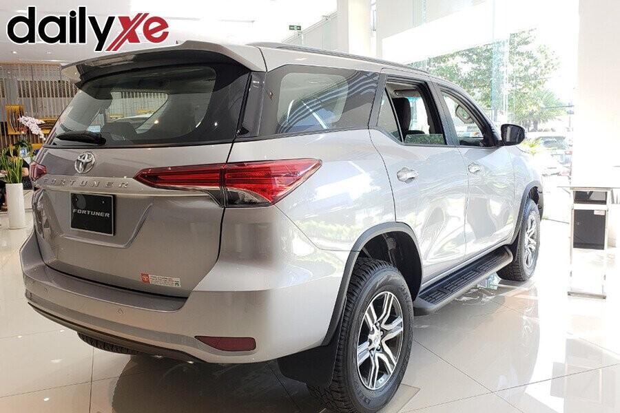 Toyota Fortuner - Hình 12