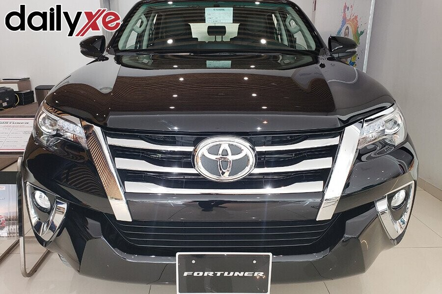 Toyota Fortuner - Hình 7