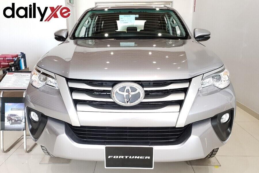Toyota Fortuner - Hình 9
