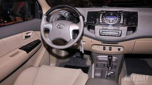 Toyota Fortuner V 2WD 2012 - Từ núi, xuống phố - Hình 7